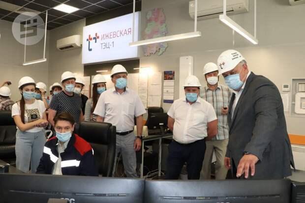 Общественникам и депутатам Гордумы Ижевска показали новую котельную ТЭЦ-1