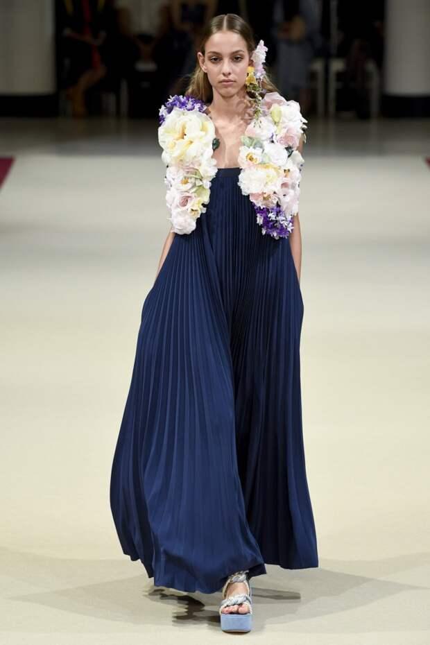 66 самых красивых платьев из коллекций весна-лето 2018