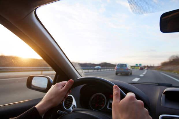 Не такой и крепкий орешек: что манера вождения может рассказать о мужчине?Не такой и крепкий орешек: что манера вождения может рассказать о мужчине?Не такой и крепкий орешек: что манера вождения может рассказать о мужчине?