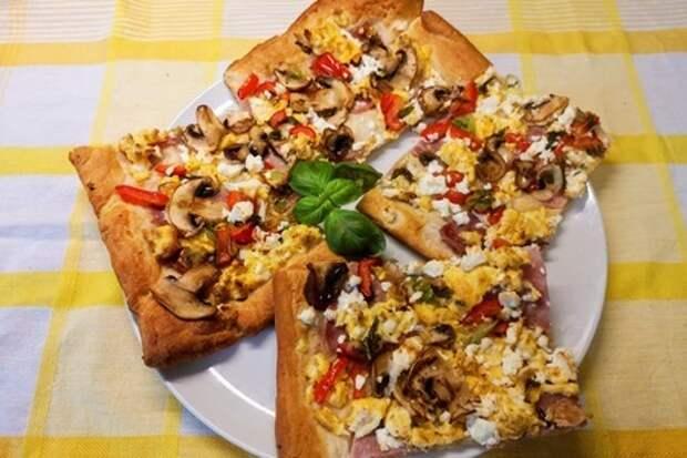 Быстрый закусочный тарт к завтраку (слоено дрожжевое тесто): фото шаг 3