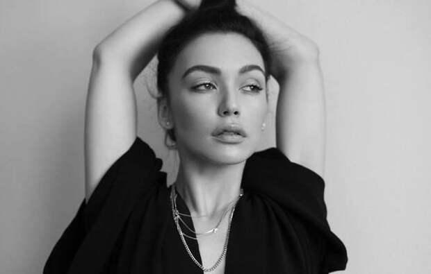 """Серябкина заявила, что группа SEREBRO жила семьей, а Фадеев считал Темникову """"дочкой"""""""