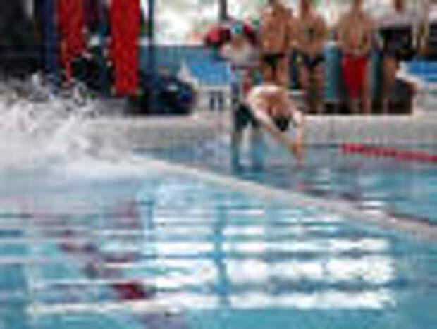 Пловцы СПЛАВа завоевали весь пьедестал почета на корпоративных играх в Москве