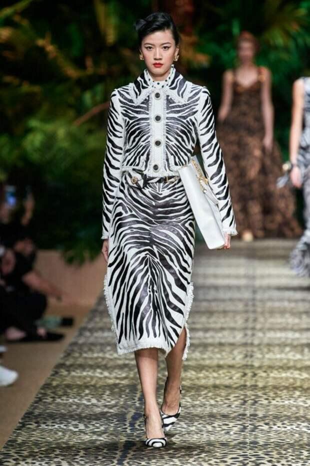 Стильный, гламурный и дерзкий принт зебра