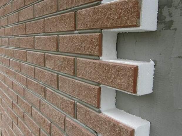Почему утепление стен никогда не окупится? Не проще ли изначально увеличить толщину самих стен?