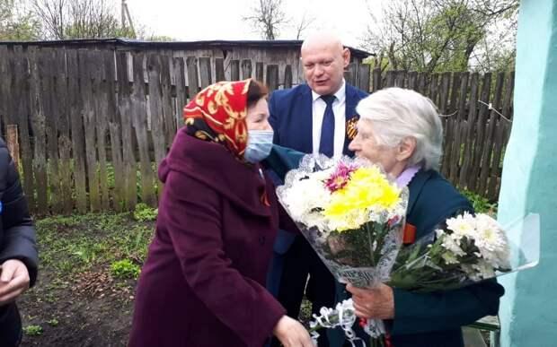 В Ухоловском районе с Днём Победы поздравили узницу концлагерей