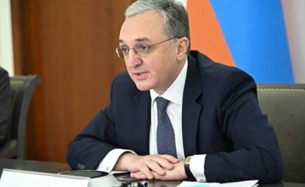 Глава МИД Армении вновь прибыл вМоскву