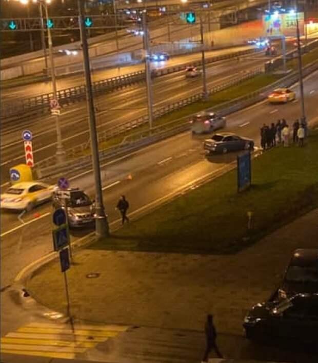 Две легковушки столкнулись на улице Народного Ополчения
