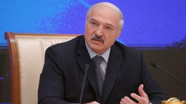 ЕС ценит Лукашенко за непризнание «аннексии Крыма» и «дистанцию» с Москвой