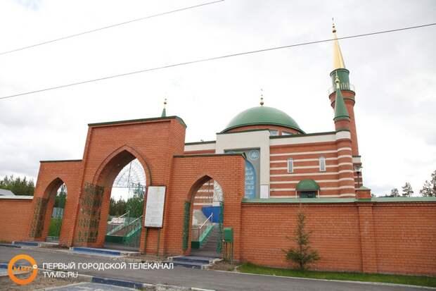 Глава региона поздравил мусульман с праздником Ураза-байрам