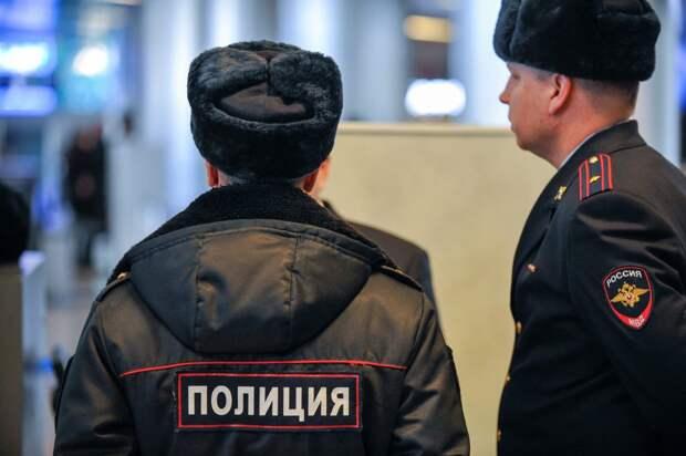 На «Сходненской» с поличным поймали полицейских-наркодилеров