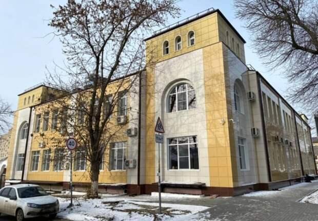 В Ростове ремонт школы искусств за185млн рублей подрядчик выполнил с«плесенью»
