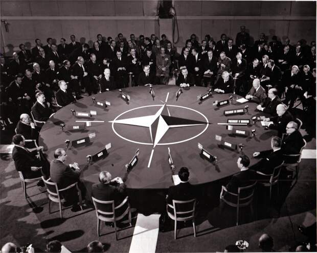 Страны НАТО не намерены подписывать договор о запрещении ядерного оружия