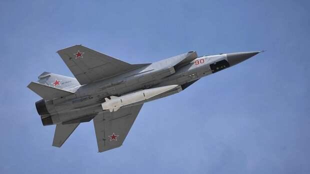МиГ-31 перехватил американский самолет-разведчик над Чукотским морем