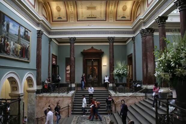Самые известные музеи мира (краткий обзор)