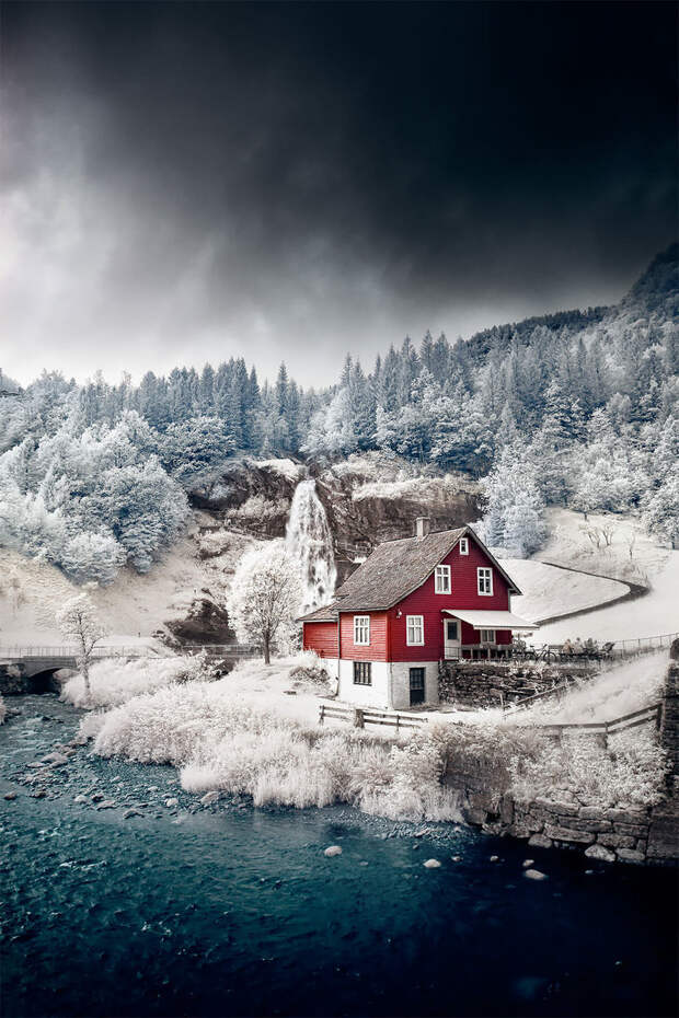 Фотограф запечатлел холодную красоту Норвегии на инфракрасных снимках