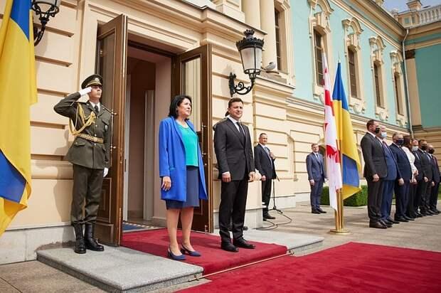 Встреча президентов Украины и Грузии началась с конфуза