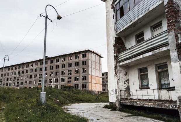 Руины пятиэтажного панельного дома в Мурманске, MariyaYa заброшенные здания, маяк, просторы, россия, церкви