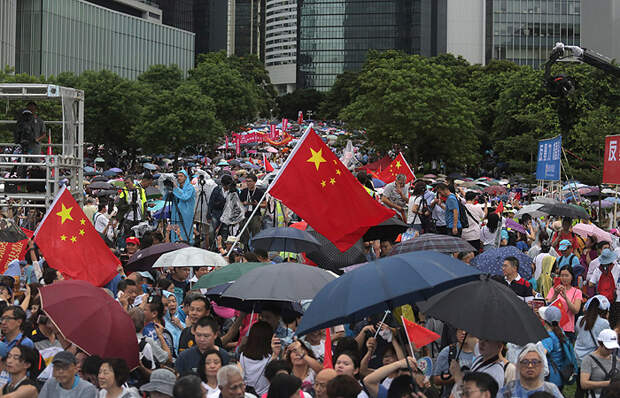 Прямое доказательство: митингующие в Гонконге обратились за помощью к Трампу