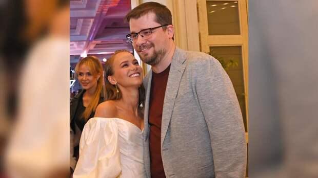 Гарик Харламов перестал скрывать отношения с новой возлюбленной