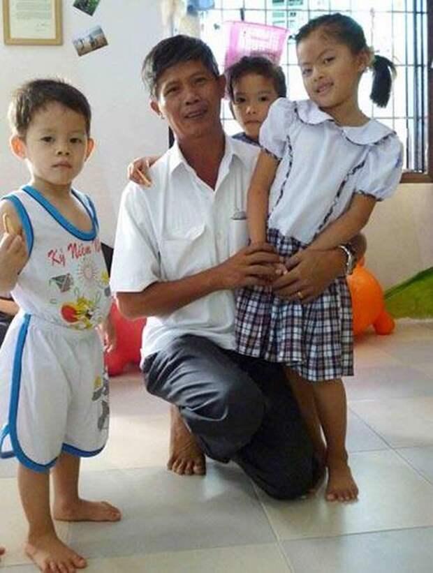 15 лет этот мужчина хоронил детей из клиники абортов. Но однажды к нему пришли их матери... (фото)