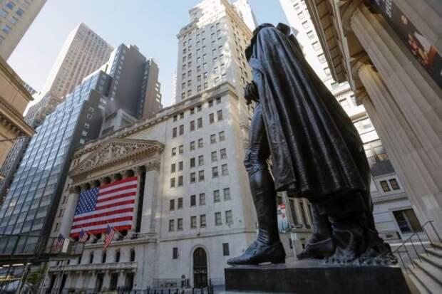 Индекс Dow Jones достиг рекордной отметки на фондовых торгах в США