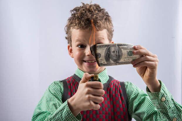 Насмешка над США: в Китае оценили возможный отказ России от доллара