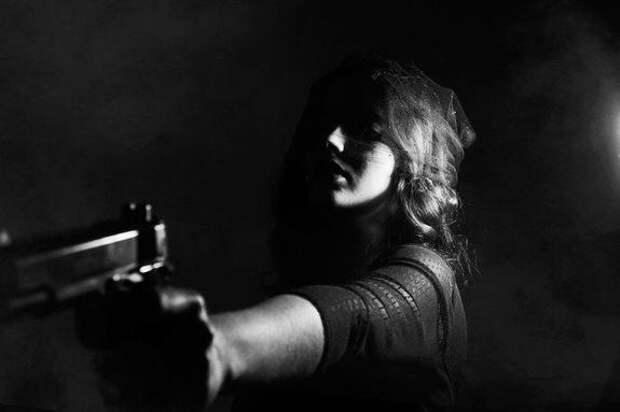 В челябинской школе девочка принесла на урок пистолет