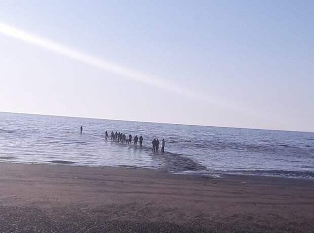 На побережье Сахалина обнаружили таинственную каменную дорогу