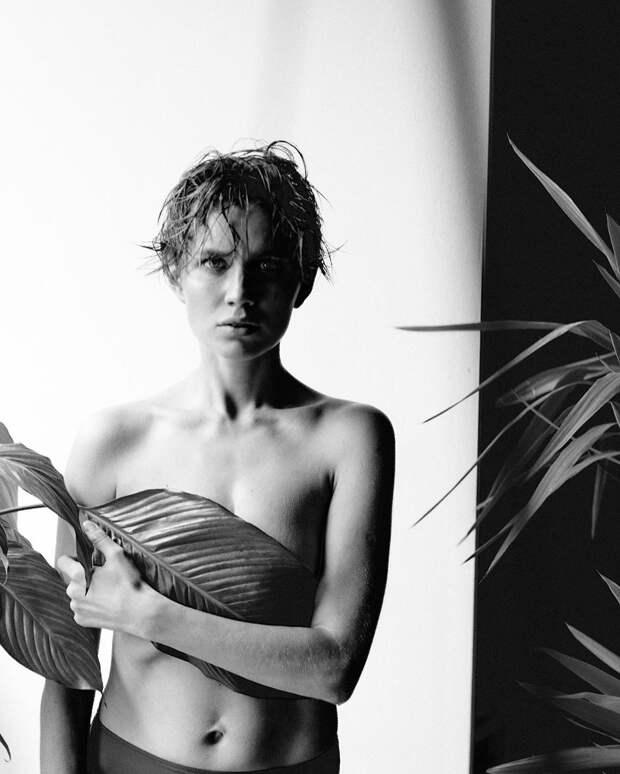 Дарья Мельникова поделилась фотографиями, не вошедшими в июльский номер MAXIM