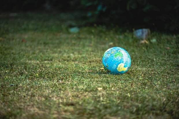 Что произойдёт, если скорость вращения Земли внезапно увеличится?