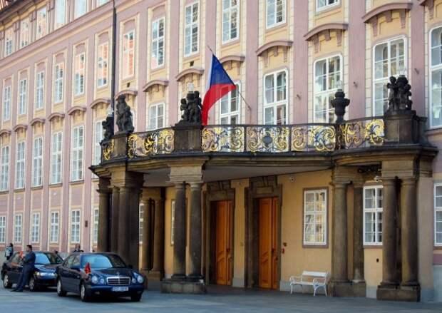 Вскрыт тайный план Праги: получить у России «Спутника-V» в обмен на закрытие «дела о взрыве складов»