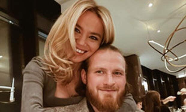 С долгами и судами: бывший муж Пелагеи женится на новой возлюбленной
