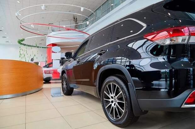Эксперт предупредил россиян о резком росте цен на авто