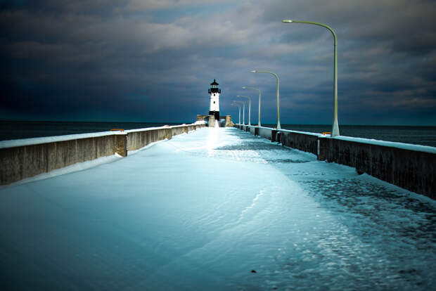 Lighthouse on Lake Superior by Jeff Sorenson on 500px.com