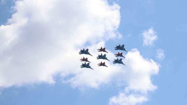 Песков не исключил, что погода может повлиять на воздушную часть парада в Москве