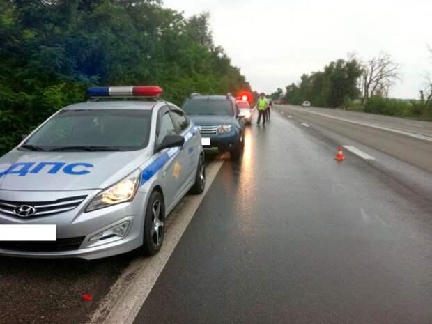ДТП в Ростовской области: автобус с туристами из Крыма перевернулся, водитель погиб (фото)