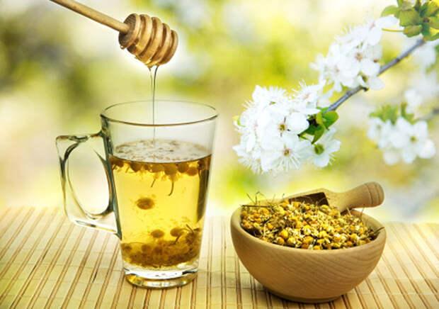 отвар с ромашкой и мёдом