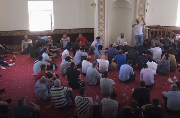 Над избившими чиновника из Ялты чеченцами состоялся шариатский суд