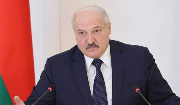 Киев увидел угрозу в словах Лукашенко о возможности открыть авиасообщение Белоруссии и Крыма