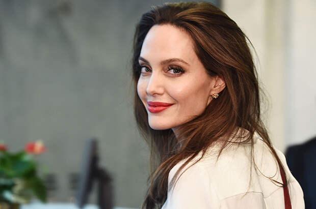 Анджелина Джоли объяснила, почему стала меньше сниматься