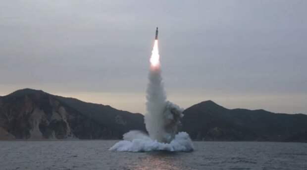 Ракетные стрельбы с российской подводной лодки. Источник изображения: https://vk.com/denis_siniy