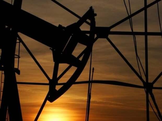 Котировки нефти Brent и WTI опускаться на опасениях вокруг спроса