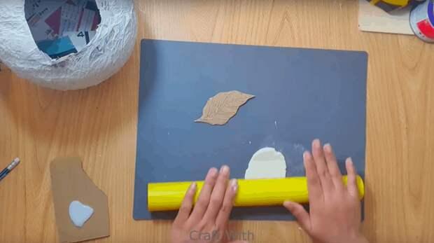 Изящная ажурная вазочка своими руками. Весенний мотив и простая техника