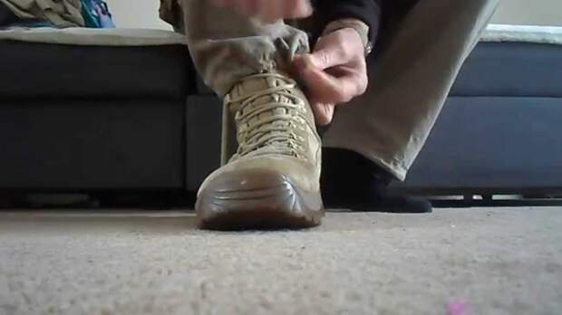 Как зашнуровать обувь быстро и без усилий. /Фото: wordus.ru