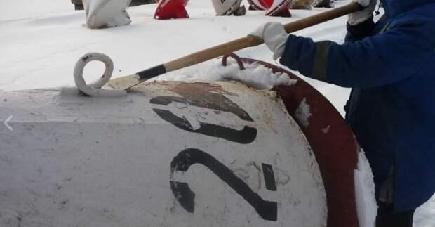 На Канале имени Москвы обновят береговые и плавучие знаки навигации