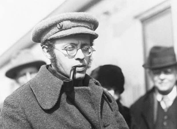 Карл Радек: за что в ГУЛАГе убили автора шуток про Сталина