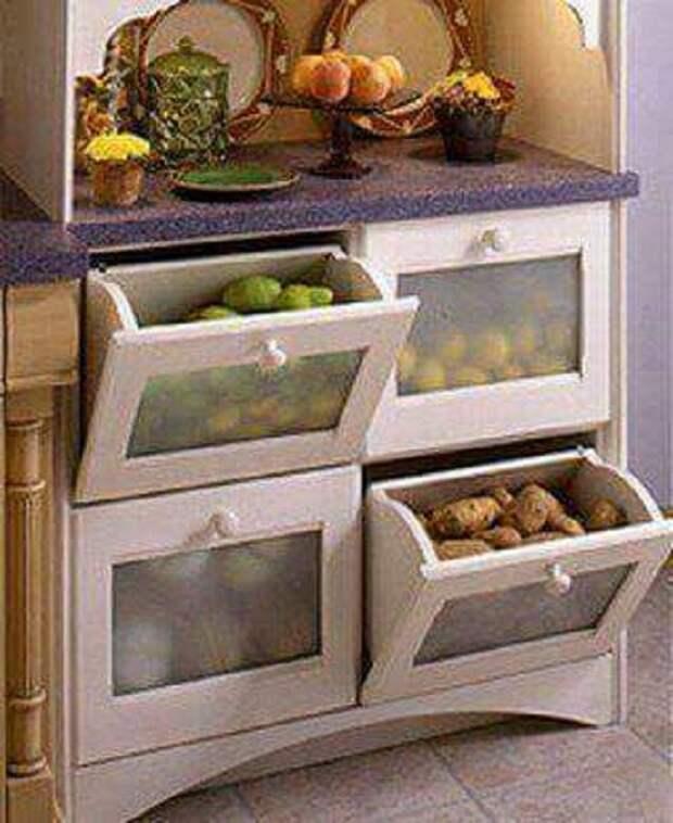 Хороший вариант сэкономить пространство дома, так это оптимизировать его за счет хранения овощей и фруктов в интересных контейнерах.