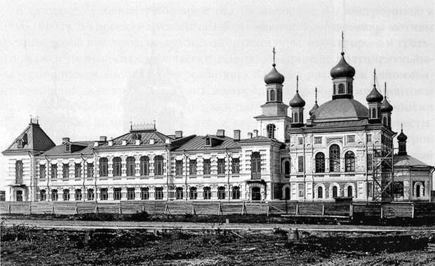 Булычевская богадельня. Фото 1906 года, источник: https://vam.do.am/