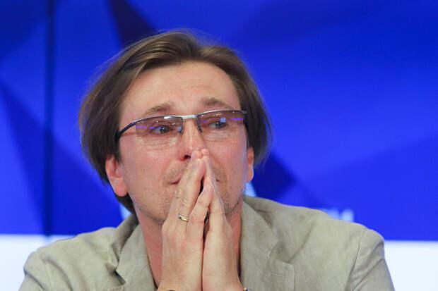 Сергей Безруков признался, что хочет усыновить ребёнка