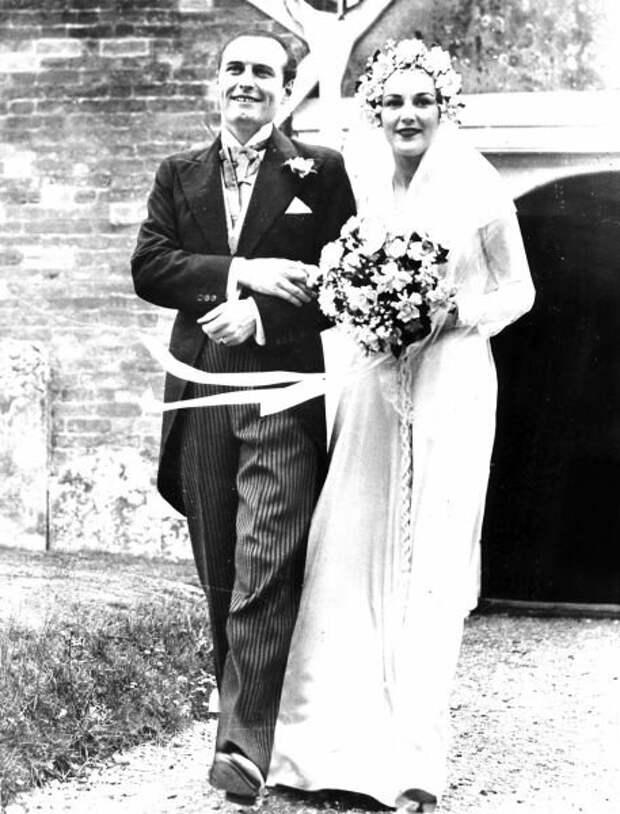 Свадьба Адриана Конан Дойла и Анны Шарлотты Андерсен. 1938 год.